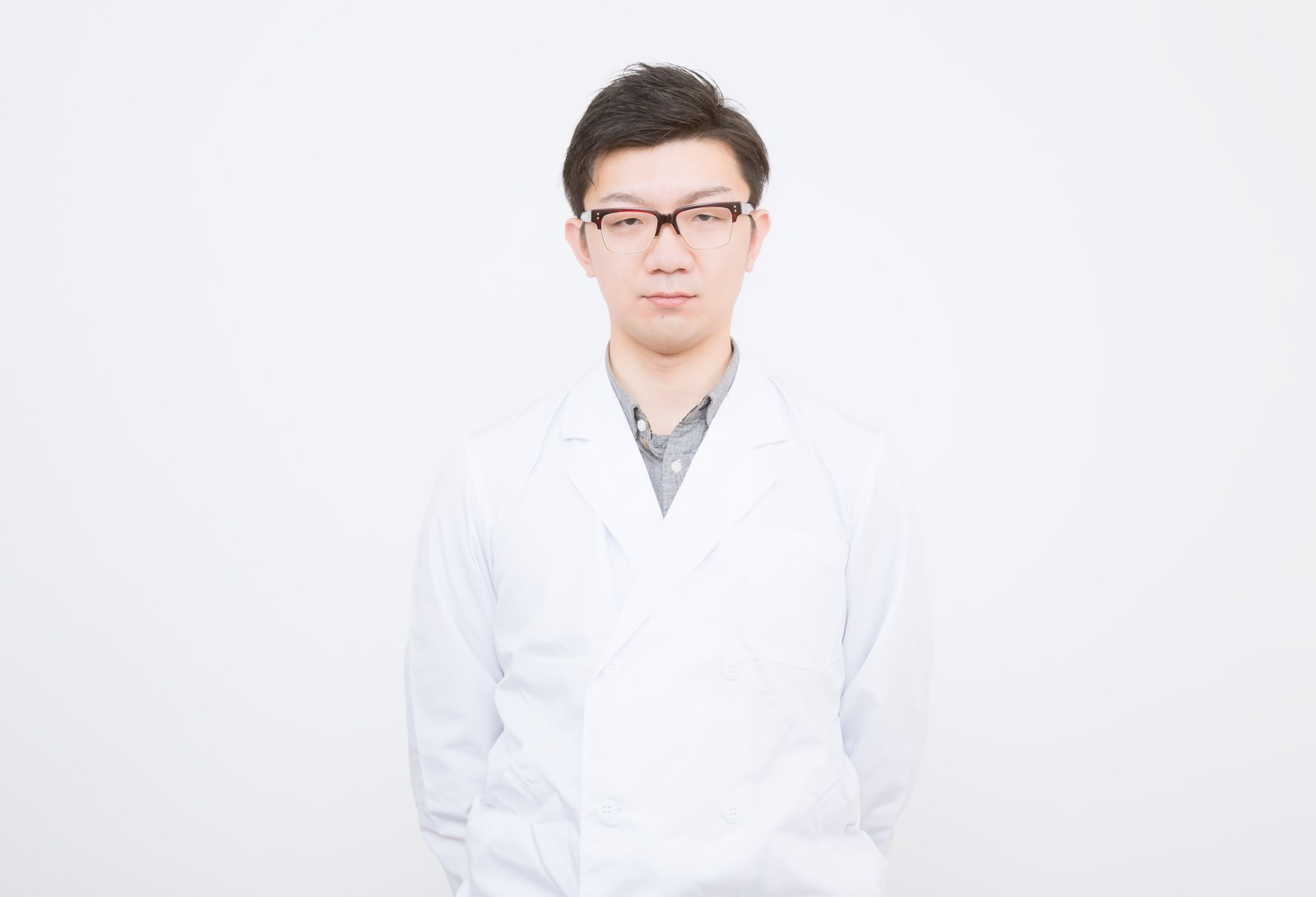白衣を着た科学者